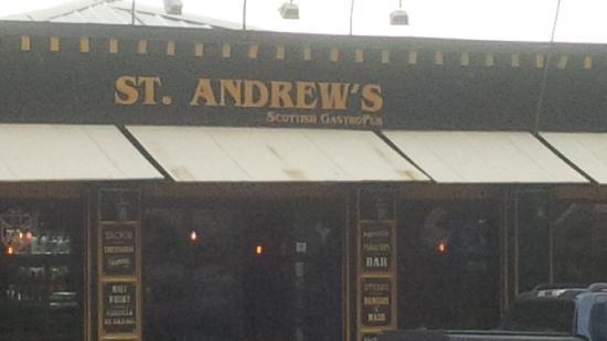 St. Andrew's GastroPub : A Scottish Pub in Quito!