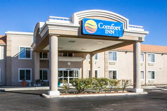 Comfort Inn Green Valley: Exterior