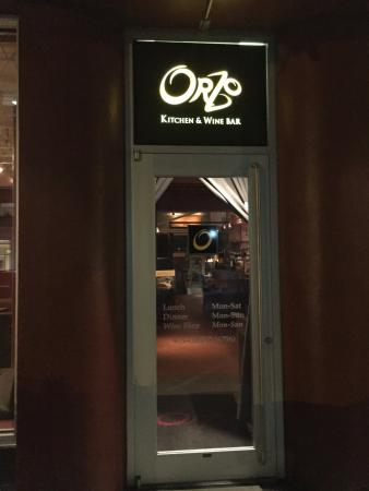Orzo Kitchen & Wine Bar : Entrance