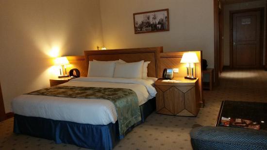 Wiseman Grand Hotel Photo