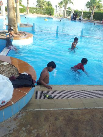Movenpick Beach Resort Al Khobar: In Children Pool