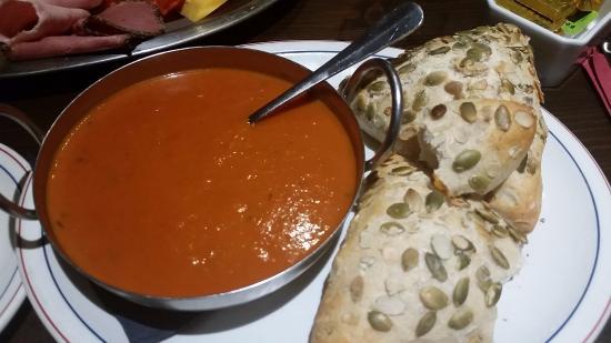 Mackenzies Highland Inn Restaurant: Tomato sour with lemon and tarragon and crusty bread