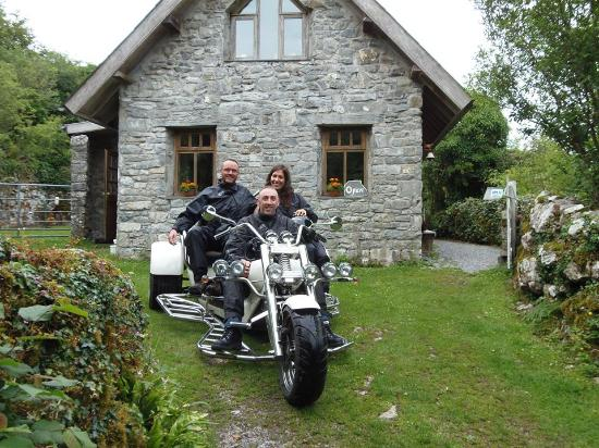 Trike Tours Ireland: Tea at Harry's in the heart of nature.