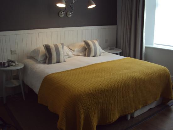 Watergate Bay Hotel: Large comfortable bed