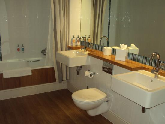 Watergate Bay Hotel: Bathroom had bath one end and large shower at the other.