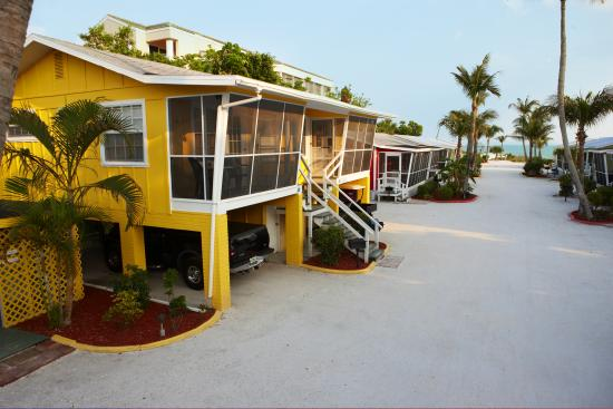 and com anchor cottage oyster cottages inn sanibel pool hotels on island review