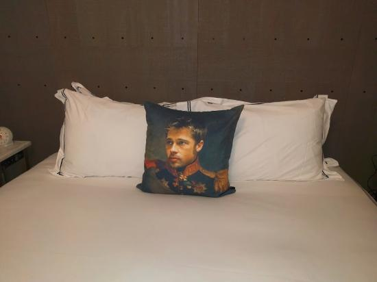 Brad's deals pillows