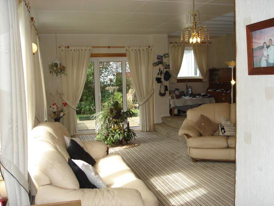 The Cherries Bed and Breakfast: lounge