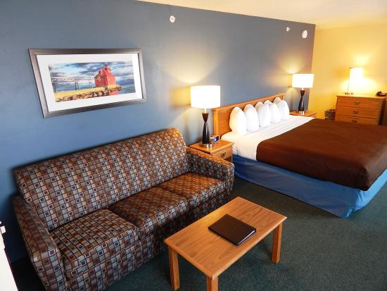 AmericInn by Wyndham Sturgeon Bay: Grand Suite