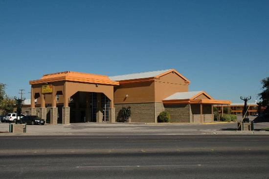 BRADFORD INN & SUITES - Prices & Hotel Reviews (Midland, TX ...