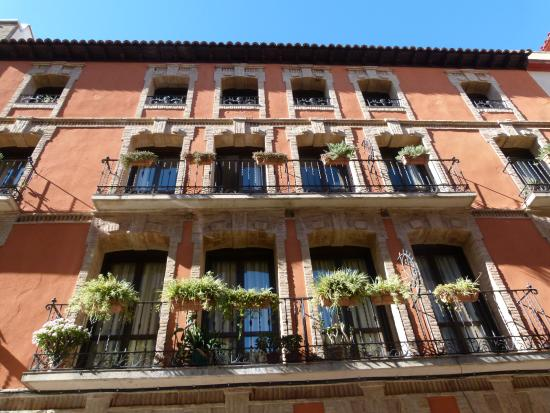 Palacio de los Sitios : façade donnant sur la rue