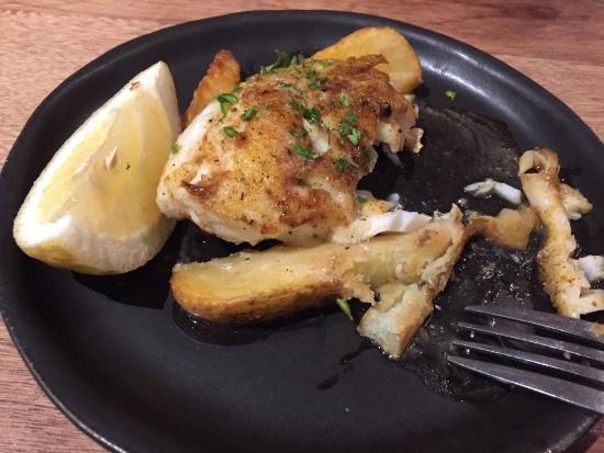 Cape Town Fish Market: Best fish ever.  Order the Kingclip.