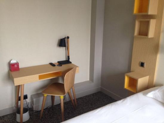 bureau chambre - Picture of Chouette Hotel, Paris - TripAdvisor
