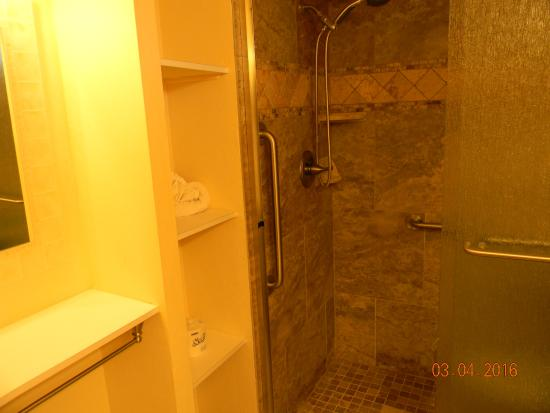 New Showers! - Picture of Surfrider Beach Club, Sanibel Island ...