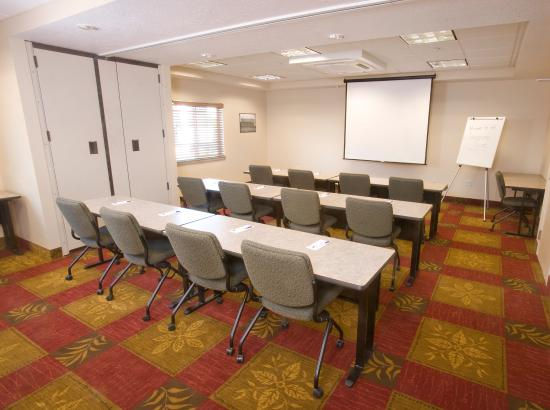 Candlewood Suites Meridian: Meeting Room - Theater Style