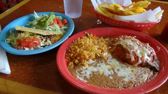 Harvey, LA: Chili Relleno lunch plate.