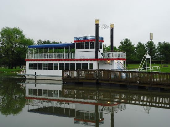 Carlinville, IL: Carlin-Belle Riverboat
