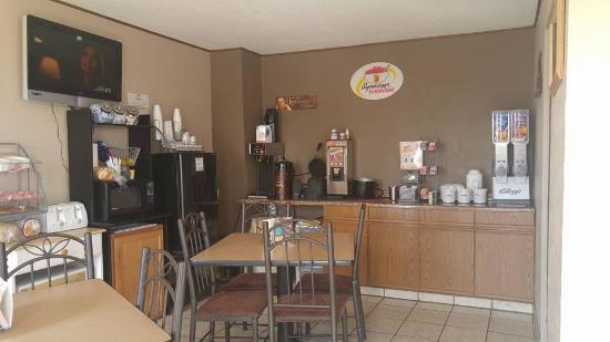 Bowman, ND: Breakfast area