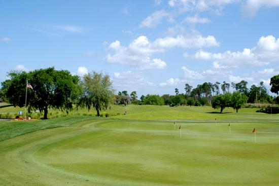 Ocoee, FL: Great Putting and Practice Areas Conveniently Located Near Clubhouse