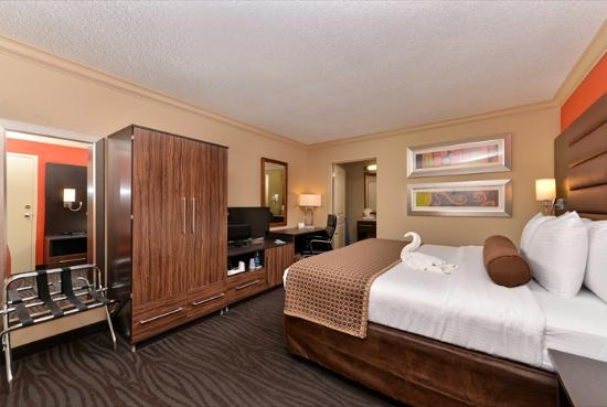 The Capitol Hotel Downtown Nashville: King Guestroom Side View