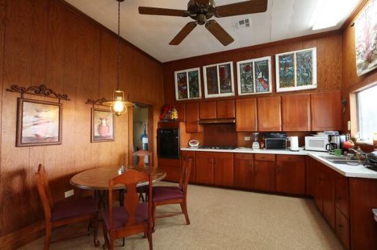 Kaplan, Λουιζιάνα: Kitchen / Dining Room / Living Room
