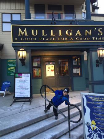 Mulligan's: Out front