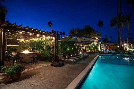 Desert Riviera Hotel: Take a night swim