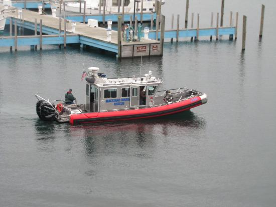 Chippewa Hotel Waterfront: Rescue boat going out for training