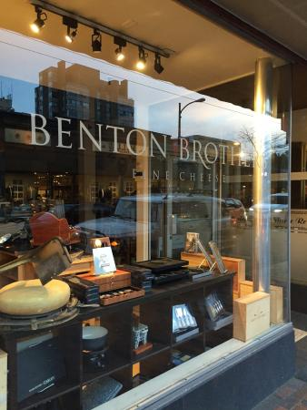 ‪Benton Brothers Fine Cheese‬