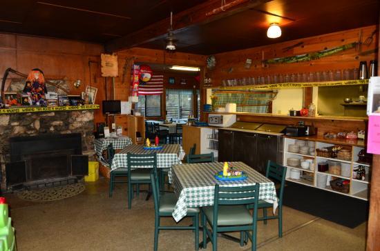 Merlin, Oregón: Dining room #1