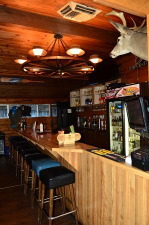 Merlin, Oregón: Full Bar