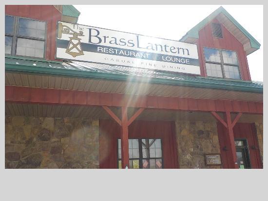 The Brass Lantern Restaurant and Lounge: Brass Lantern