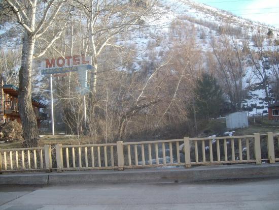 Rear view of Tumbling Waters Inn