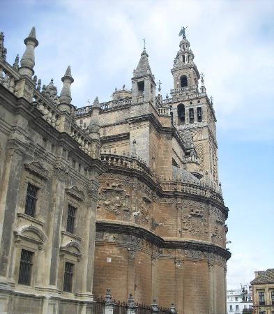 La Giralda - Picture of Seville Cathedral (Catedral de Sevilla), Seville - Tr...