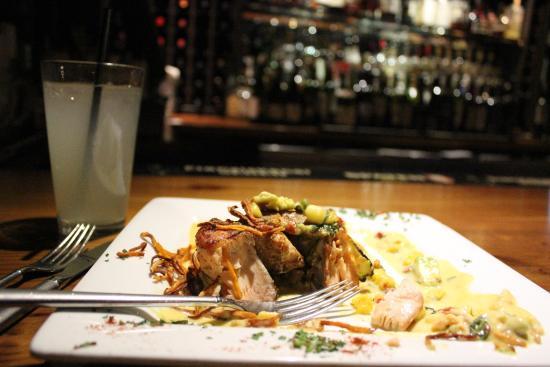 Tabernash, Колорадо: he Jambalaya Salmon wrapped in zucchini, jambalaya rice, mango relish and tabasco buerre blanc