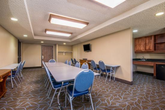 AmericInn Lodge & Suites Ft. Collins South: Meeting Room