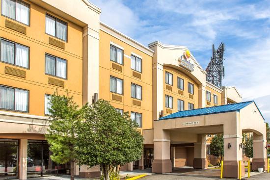 Comfort Inn & Suites Conference Center: Exterior