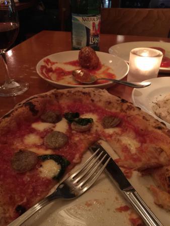 Il Pizzaiolo: Sausage pizza.