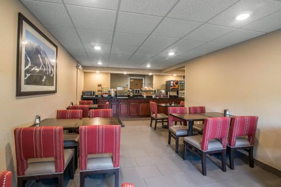 Comfort Inn Saugerties: Breakfast area
