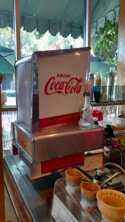South Pasadena, CA: The Old Soda Machine (yes it still works)