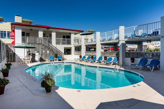 Econo Lodge on the Ocean: Pool
