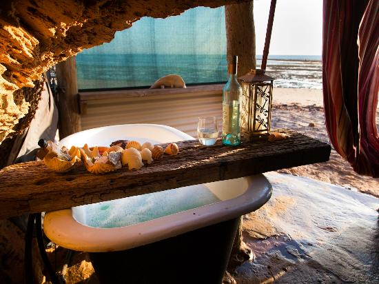 Wilderness Island Safari Holidays : Have a relaxing bath with an oceanview