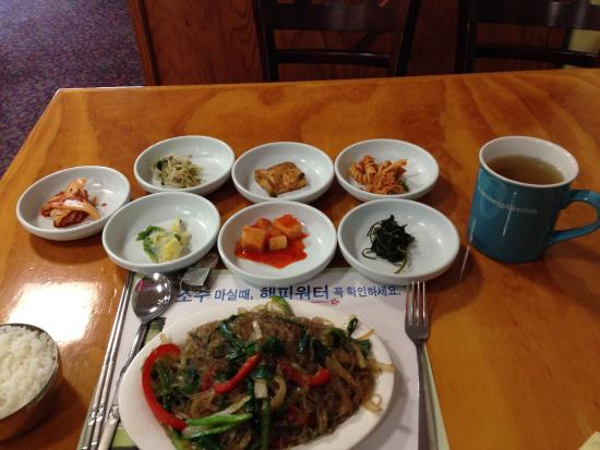 LaGrange, Τζόρτζια: Japchae with ban chan side dishes.