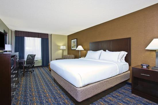 Holiday Inn Express Hotel & Suites West Mifflin: Newly Renovated King bedded guest room Suite