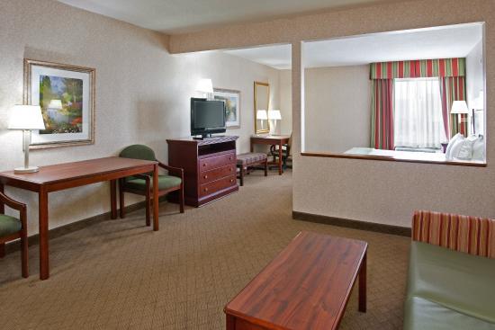 Wilmington, OH: Suite