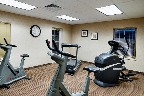 Quality Inn & Suites Skyways New Castle: Fitness Room