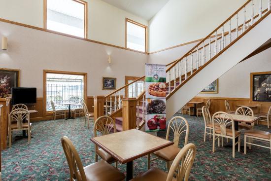Quality Inn Tunica/Robinsonville: Breakfast Seating