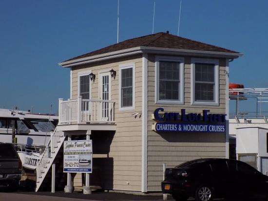 Freeport, NY: Office of Captain Lou's Fleet