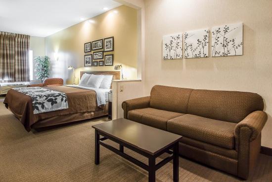 Sleep Inn & Suites, Green Bay Airport: Whirlpool suite
