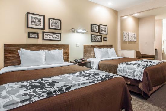 Sleep Inn & Suites, Green Bay Airport: Queen suite
